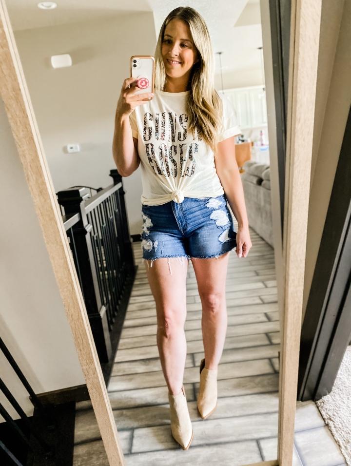 Blonde Style Blog Band Tee Three Ways Fashion Life Style Blog 3